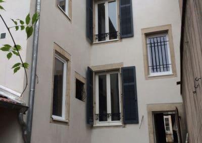 Ravalement façades avec encadrements en pierres Aube